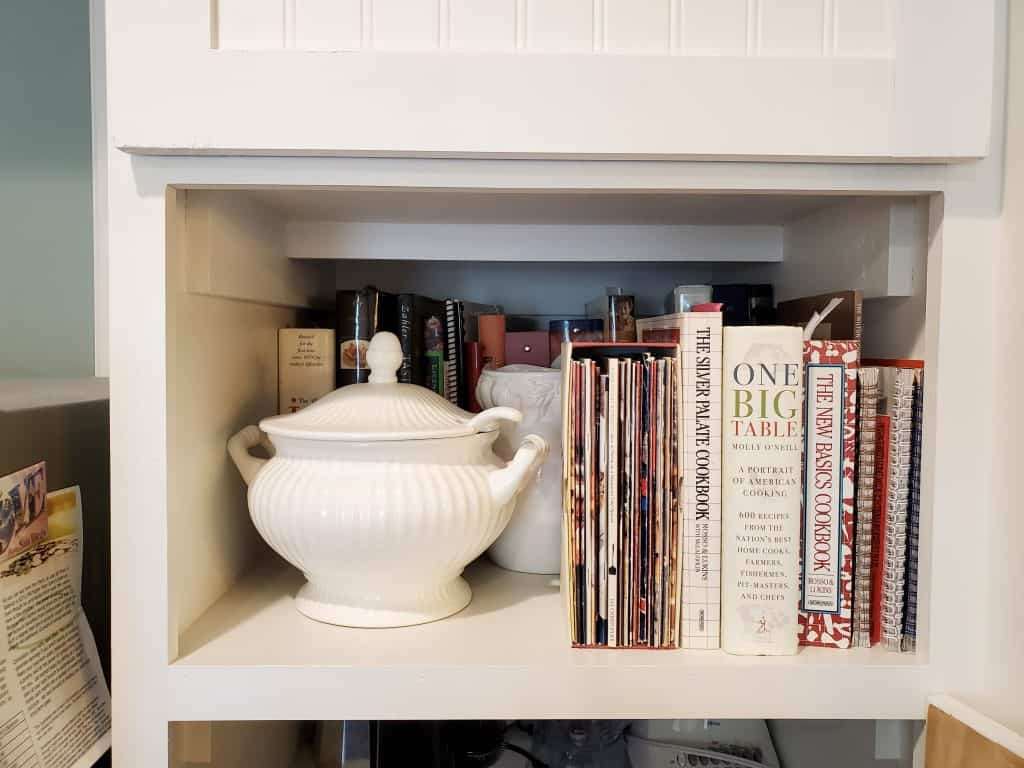 Kitchen Cookbook Nook DIY  | Me and My Traveling Hat | FREE Content on Blog